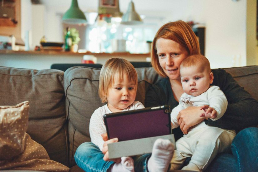 milennial-family-mother-siblings